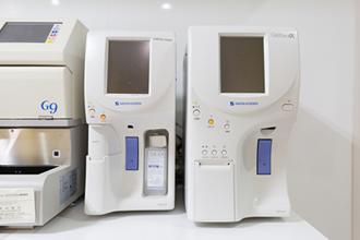 全自動血球計数器・臨床化学分析装置